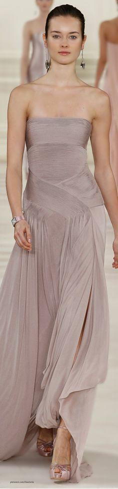 Ralph Lauren Fall 2014 White and sweetheart neckline. Runway Fashion, High Fashion, Fashion Beauty, Elie Saab, Marchesa, Beautiful Gowns, Beautiful Outfits, Dress Skirt, Dress Up
