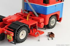 "SCANIA LB 141 ""PAT DUFFY"" 1:13 SCALE LEGO® MODEL Cool Lego, Awesome Lego, Transporter Van, Lego Truck, Sony Tv, Lego Models, Lego Moc, Lego Technic, Duffy"