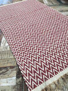 Hand Loomed Soft Cotton Yarn Dark Red Herringbone Rug 90cm X 150cm Gorgeous Based
