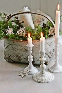 This makes a pretty winter tablescape, as well as Christmas display Christmas Baskets, Noel Christmas, Christmas Candles, Country Christmas, All Things Christmas, Winter Christmas, Christmas Crafts, Christmas Decorations, Xmas