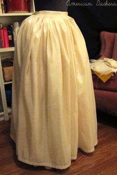 American Duchess: How To Make An 18th Century Petticoat - one way to make an easy petticoat