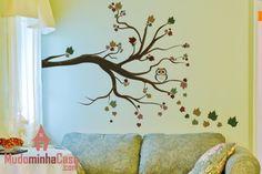 O Outono é a estação da renovação, da transformação e suas folhas secas simbolizam a mudança do velho para o novo, o recomeço. O adesivo de parede árvore de folhas secas é um item marcante na decoração da sua casa, simbolizando a constante transformação da personalidade do ambiente.