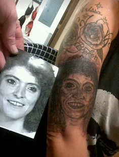 There's a lot of botched up tattoo jobs out there, but few are worse than these photos of hilariously epic tattoo fails that are so bad they're awesome. Bad Tattoos Fails, Funny Tattoos, Fake Tattoos, Small Tattoos, Worst Tattoos, Horror Tattoos, Tatoos, Tattoos For Women Half Sleeve, Tattoos For Women Small