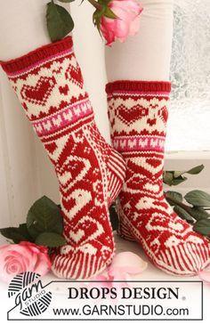 "Head Over Heels For You - Gestrickte DROPS Socken zu Valentin in ""Merino Extra Fine"". - Free pattern by DROPS Design"