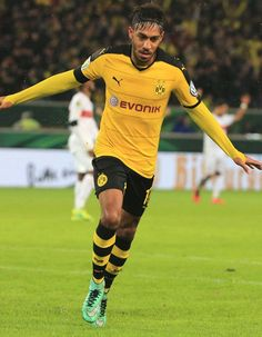 BVB chief tells Man City, Real Madrid target Aubameyang: You've gotta shutup! http://www.tribalfootball.com/articles/bvb-chief-tells-man-city-real-madrid-target-aubameyang-you-ve-gotta-shutup-4167032?utm_source%3Dmediafed%26utm_medium%3Drss-feed%26utm_campaign%3DFeed-Latest%2BArticles