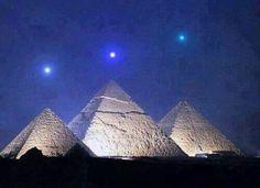 Mercurio,  Venus y Saturno se alinean en las pirámides de Giza