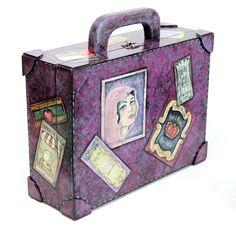 maleta com falso couro