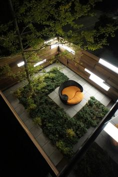 feng-shui garten-design Liegesofa-Blumenbeet-Terrasse Sichtschutz