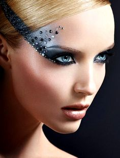 c-a-n-d-y—k-i-s-s-e-s:  CANDY KISSES: Make Up For Ever Midnight Glow Holiday 2013 Collection