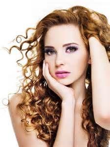 Trend model rambut Terkini  Model Rambut Ikal Yang Sesuai Dengan Jenis  Rambut Cabello Hair e9d93c2a9f