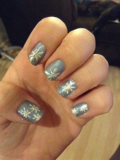 Frozen-inspired nails!
