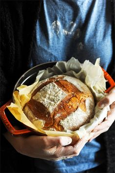 Mais pourquoi est-ce que je vous raconte ça... Dorian cuisine.com: Le samedi c'est boulange ! Un pain ma cocotte ? Pain de campagne aux graines à la cocotte...