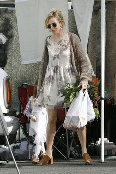 Sienna Miller Sienna Miller Style, Ashley Olsen, Rosie Huntington Whiteley,  Lily Collins, 2969fa133a