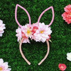 How adorable is thise easy to make DIY Bunny Ear Headband