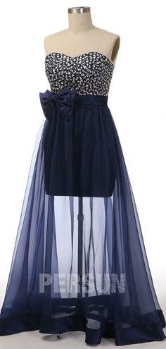 Robe de bal longue chic bleu nuit bustier coeur embelli de bijoux exquis et jupe transparent ornée de noeud papillon à la taille Bustier, Formal Dresses, Chic, Tops, Women, Fashion, Dress Blues, Midnight Blue, Evening Dresses