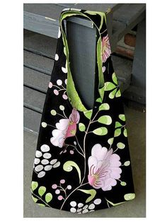 Reversible Summer Hobo Bag - PDF Sewing Pattern - Black Floral Print