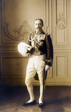 Luis-Jesús Fernández de Córdoba y Salabert  XVI Marqués de Las Navas, en traje de Gentilhombre de cámara