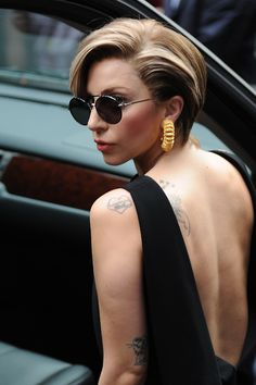 Like a modern day Lucille Bluth: Lady Gaga's new look. Love.