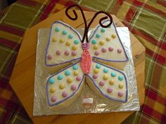 Made something similar to this for my daughter's 3rd birthday. (I did a butterfly themed party for her). She loved it!