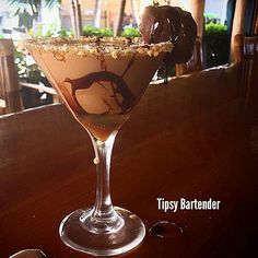 Chocolate Turtle Martini Cocktail - For more delicious recipes and drinks, visit us here: www.tipsybartender.com