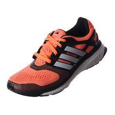 Corre al máximo con el calzado Energy Boost de #Adidas, hecho para Mujeres. Es tan ligero y además te ayuda a recorrer largas distancias con su adaptable parte superior con Tecnología techfit™ #Running