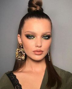 Best 49 Ideas Glam Valentines Night Makeup Look - Hair, Makeup, Jewelry and . - Best 49 Ideas Glam Valentines Night Makeup Look – Hair, makeup, jewelry and clothing can be combi - Glam Makeup, Eye Makeup, Night Makeup, Makeup Tips, Beauty Makeup, Hair Makeup, Makeup Ideas, Makeup Brushes, Chanel Beauty