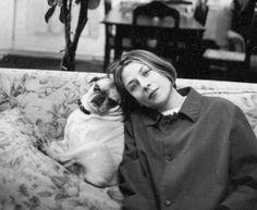 Donna Tartt e sua pug Pongo. Ela é escritora e romancista. Ficou famosa pelo best seller 'A História Secreta' (1992).