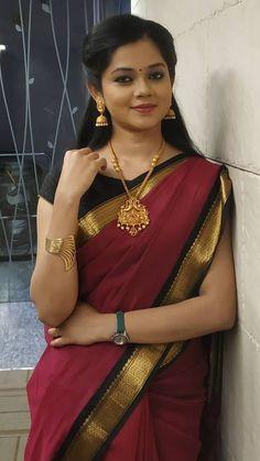 Indian beautiful cute models saari backless Desi sweet girls with her juicy armpit curvy body Show. Hot and sexy Indian actress very sensuo. Red Saree, Saree Look, Saree Dress, Beautiful Saree, Beautiful Indian Actress, Beautiful Women, Beautiful Celebrities, Beautiful Actresses, Mysore Silk Saree