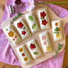 Pin on 食べ物 Cute Food, Good Food, Yummy Food, Food Art For Kids, Food Garnishes, Japanese Sweets, Japanese Cake, Japanese Lunch Box, Tea Sandwiches