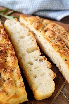 The Best Ridiculously Easy Focaccia Bread - Food Recipes Easy Focaccia Bread Recipe, Easy Bread Recipes, Baking Recipes, Scd Recipes, Chibatta Bread Recipe, Artisian Bread Recipes, Easy Bread Roll Recipe, Panini Bread, Cornbread Recipes