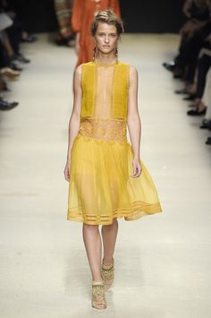 Albert Ferretti SS16 fashion week show - Image 17