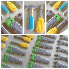tool cookies - very cute! Iced Cookies, Cute Cookies, Royal Icing Cookies, Sugar Cookies, Cupcakes, Cupcake Cookies, Construction Cookies, Construction Party, Cake Pops