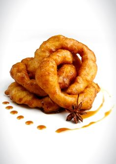 Peruvian donuts: Picarones (recipe in Spanish) sweet potato and pumpkin with raw sugar cane honey... need to make.