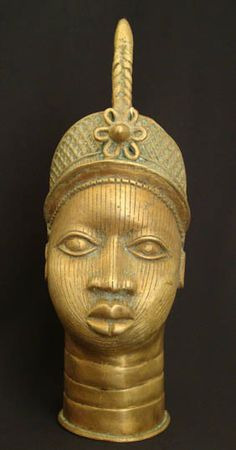 Item #538 Type of object: Eve head Measurement: 16x 21x 47x (cm)
