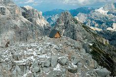 mountaintop-cabin-giovanni-pesamosca