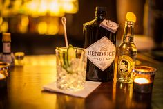 Das Hudsons Restaurant vereint eine innovative Design-Bar mit einer speziellen Auswahl an exklusiven und kreativen Gerichten sowie Craftbeer und Gin-Sorten.