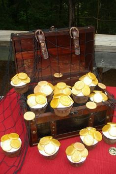 Treasure Chest Cupcakes By NoahLili on CakeCentral.com