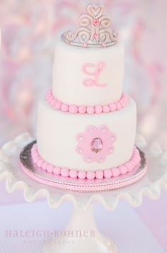 Love the personalized princess cake!