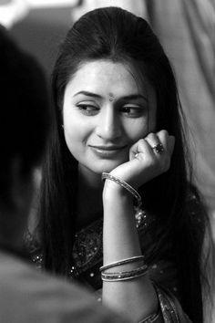 Divyanka Tripathi in Saree