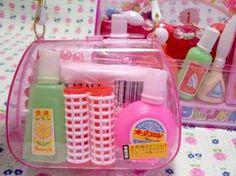 アクセサリーの他に化粧品セットが入ってる物もありました。おままごとでよく遊んだ覚えが。懐かしい。マイクセット。これは遊んだ記憶が無いけれど何となく好きだっ... 1970s Childhood, Childhood Toys, Childhood Memories, Retro Toys, Vintage Toys, Cupcake Dolls, One Step Beyond, Nostalgic Art, Kawaii Art