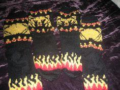 Tähtipölyä puikoissa: Karhu-sukat Christmas Sweaters, Diy And Crafts, Knit Crochet, Knitting Patterns, Heart, Fashion, Moda, Knit Patterns, Fashion Styles