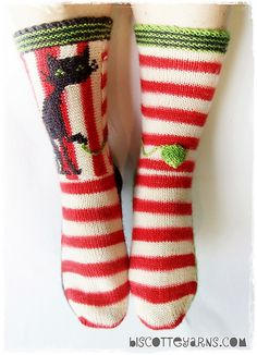 Biscotte's folly by Micheline Goulet for Biscotte & Cie inc. - a buyable knitting pattern for extreme cute cat-socks - $5.00.