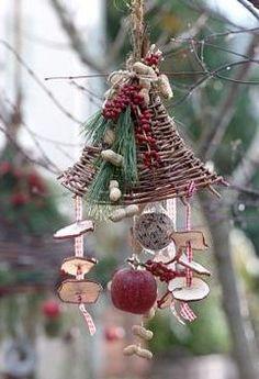 bird feeder - very clever rustic look!