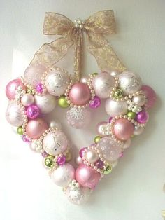 DIY:: ORNAMENT WREATH...