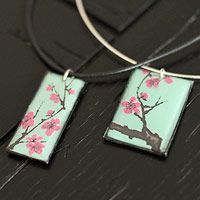 Can recycled necklace