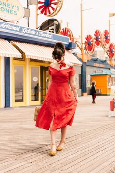 d4c8dfb65c10  OOTD  Keiko Lynn Turns the Boardwalk into a Catwalk