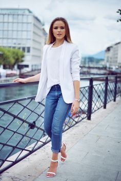 white blazer, jeans and white t-shirt. simple and classy.