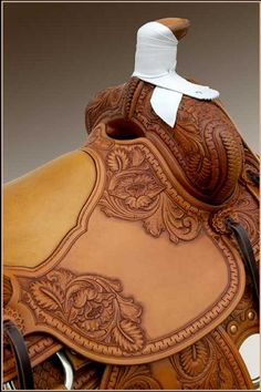 hand tooled custom roping saddle