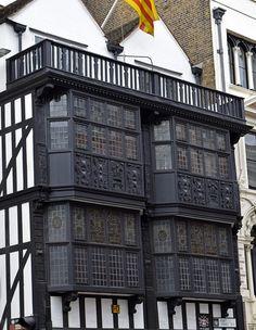 Scones au cheddar et ciboulette Paul Hollywood, Cheddar, Louvre, England, Building, Travel, Savory Scones, English Cuisine, Viajes