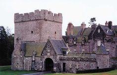 Drum Castle via Flickr